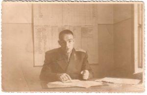 Пашенцев Дмитрий Ильич - военный летчик, старший брат Григория Ильича (1946 г.) Дмитрий Ильич за работой.